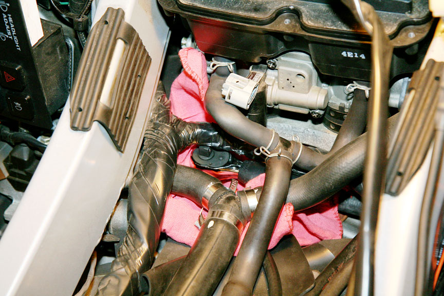 how to change coolant on 1800 goldwing
